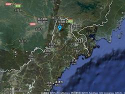 下图为网上热传的有关朝核试验地点距中国边境14公里的假图片