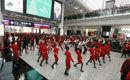 空姐香港机场快闪热舞