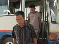 菲方审讯9名海南渔民:打开手铐逐个问是否认罪