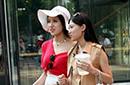 街拍北京美眉靓丽可人