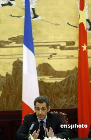 """萨科齐强调法国反对台独和""""入联公投"""""""