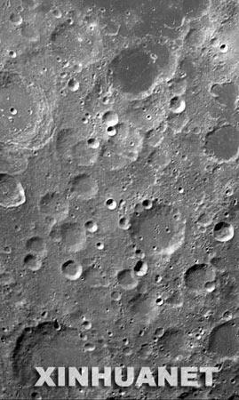 """嫦娥一号""""睁开眼睛""""后获得第一轨景象"""