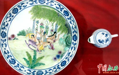 南昌女仆性文化节在昌羞答答的开(图)白丝性感美女首届图片