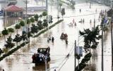 长江支流滁河遭历史第2大洪水 50万人上堤防守