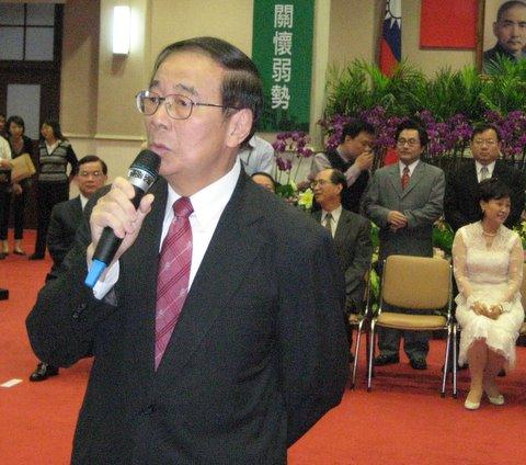 张俊雄承认曾收陈水扁200万元