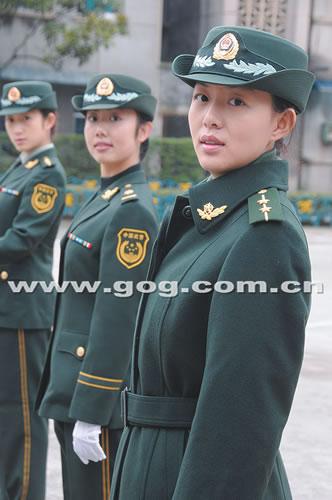 武警换发07式冬常服图片