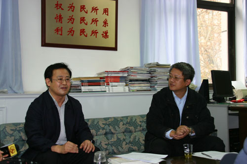 姜军:铁路部门对媒体有何要求
