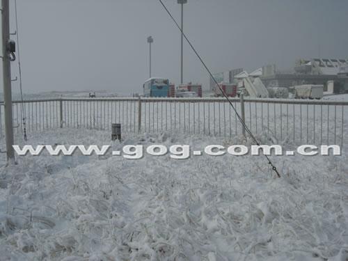 贵州铜仁机场受雨雪影响几度关闭(图)