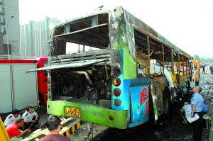 成都公交起火事件系人为纵火说法被指不实