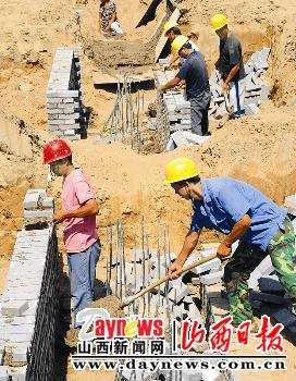 重点工程大扫描(十六):省体育中心砌筑砖胎膜(