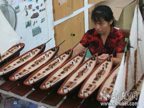 铁机村农民组图制作船模建筑海外(图纸)远销手工分类给排水设计图片