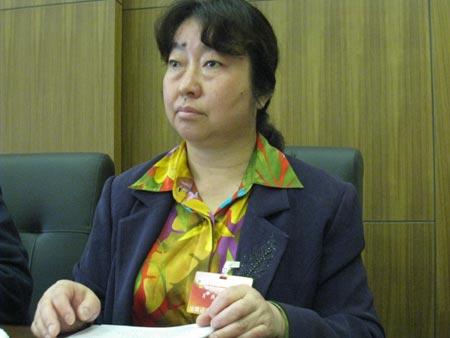 云南女政协委员求抗旱良策感动讨论组