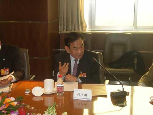 张洪飚代表:中航工业准备自主研制重型直升机