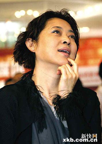 倪萍回应从不投反对票质疑称从大局利益考虑