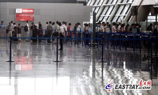 浦东、虹桥机场加强 液体检测 安检升级未见 长