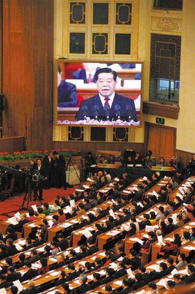 昨日,人民大会堂,全国政协十一届五次会议开幕。贾庆林主席作政协全国委员会常务委员会工作报告。本报记者 薛�B 摄