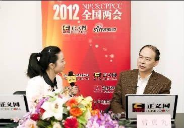 全国人大代表、江西省检察院检察长曾页九做客正义网。杨征摄