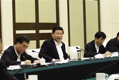 前日,中共中央总书记、中央军委主席习近平在广州主持召开经济工作座谈会。新华社记者 兰红光 摄