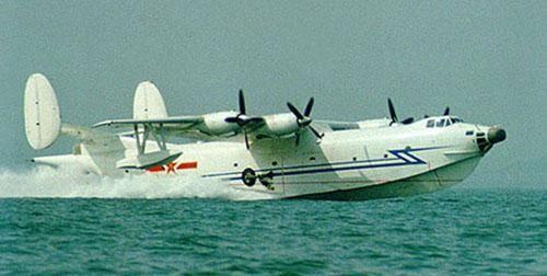 水轰-5飞机在1986年9月交付中国海军航空兵使用