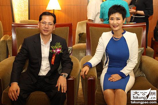 李小琳与大公网总裁林学飞交谈