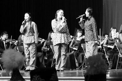 会堂举行.来自总政歌舞团、公安部歌舞团及宁夏歌舞剧院的演员们