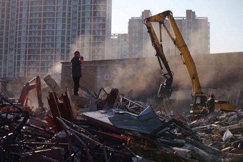 北京拆除十里堡附近大型违法建设建材市场