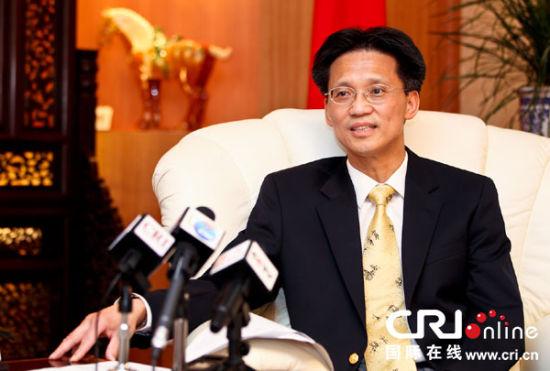 """中国驻尼日利亚大使顾小杰大使表示,李克强总理此访将是一次重走友谊之路的""""传承之旅"""" 摄影 李晋"""