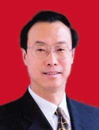 陈白峰 1959年5月生,吉林和龙人,1976年7月参加工作,现任潍坊市委常委,副市长。