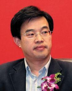 黄震 中央财经大学法学院教授,金融法研究所所长。2000年毕业于北京大学法学院,获法学博士学位。