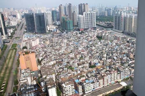 城中村拆迁户分30套房1套给女儿2...