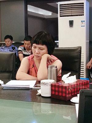 2014年7月,吴芳芳露面与业主协商