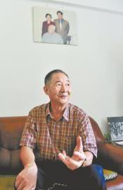 7月16日,成都市,万里外甥何凡讲述舅舅的故事。