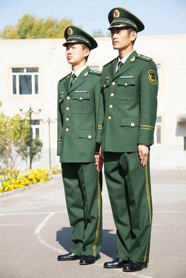 武警07式冬常服正式换发亮相图片