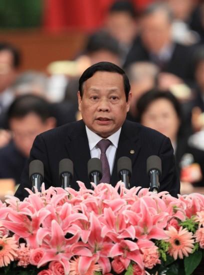 图文:张圣坤委员代表民盟中央发言