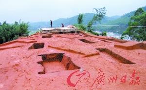 广东广宁出土战国青铜器近200件