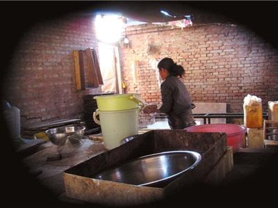 北京黑作坊每日数百斤豆制品销往王府井(组图)