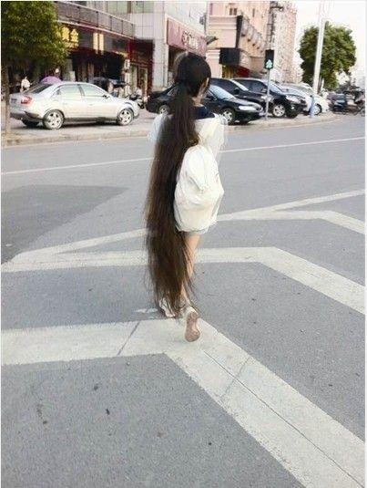 经了解,微博上的主人公为瑞安的19岁女孩小陈,身高约1.