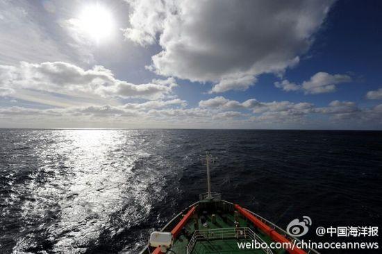 考察队已经到达目标海域的核心区域。