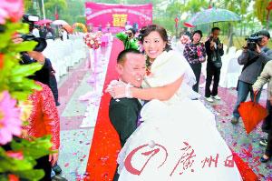 记者探访背妻男吴加芳震后一年的生活