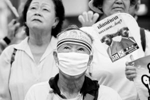 6月22日,反他信的黄衫军在曼谷游行,呼吁民众拒绝在7月3日投票。