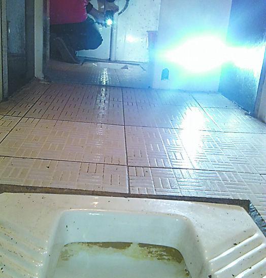 饭店老板偷拍女性如厕被拘留10天 新浪新闻