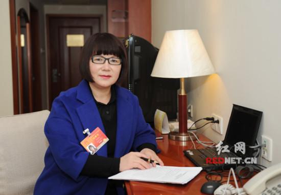 全国人大代表傅莉娟:法制宣传教育应尽快立法