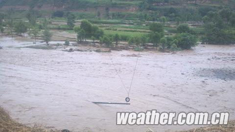 昨日,甘肃省陇南遭受大暴雨袭击。(来源:中国天气网甘肃站)