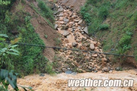 钟山县一大理石采矿点发生滑坡。(刘景涛 摄)