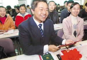 宁夏44名大学生村干部走向基层