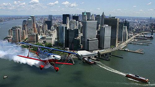 曼哈顿富冠全美人均周薪近3000美元