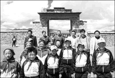 喜马拉雅山上的小学:6名教师坚守希望(图)