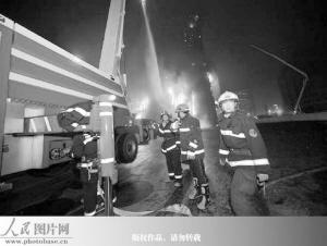 百枚礼花弹引燃央视大火1人死亡相关人员被监控