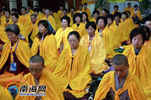 台湾禅宗大师首愚法师三亚南山开讲禅文化