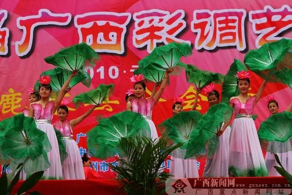 广西新闻网柳州1月15日讯(记者邓昶)第二届广西彩调艺术节于